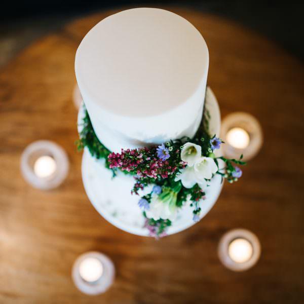 wedding cake floral details