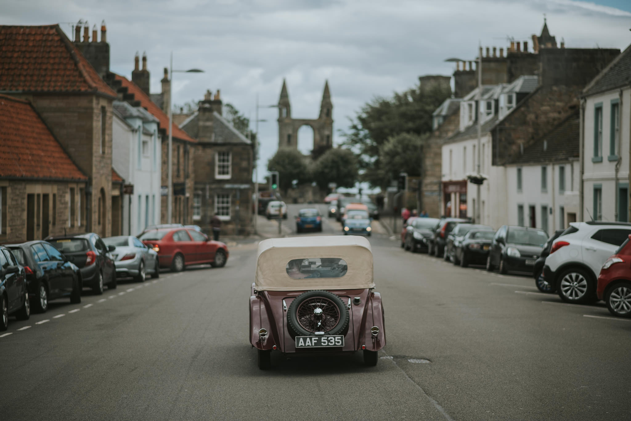 vintage wedding car st. andrews