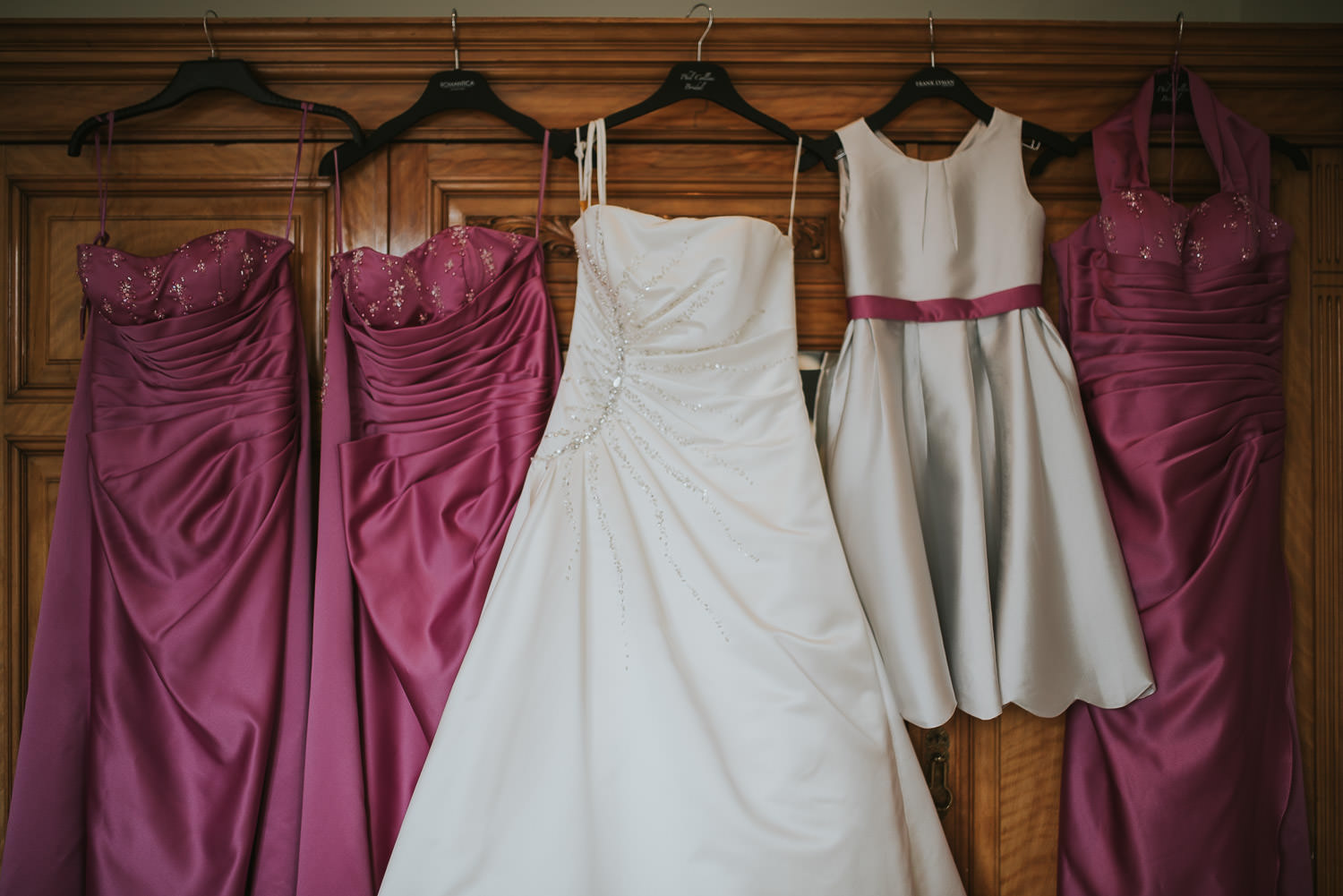 country wedding bridesdress and bridesmaids' dresses