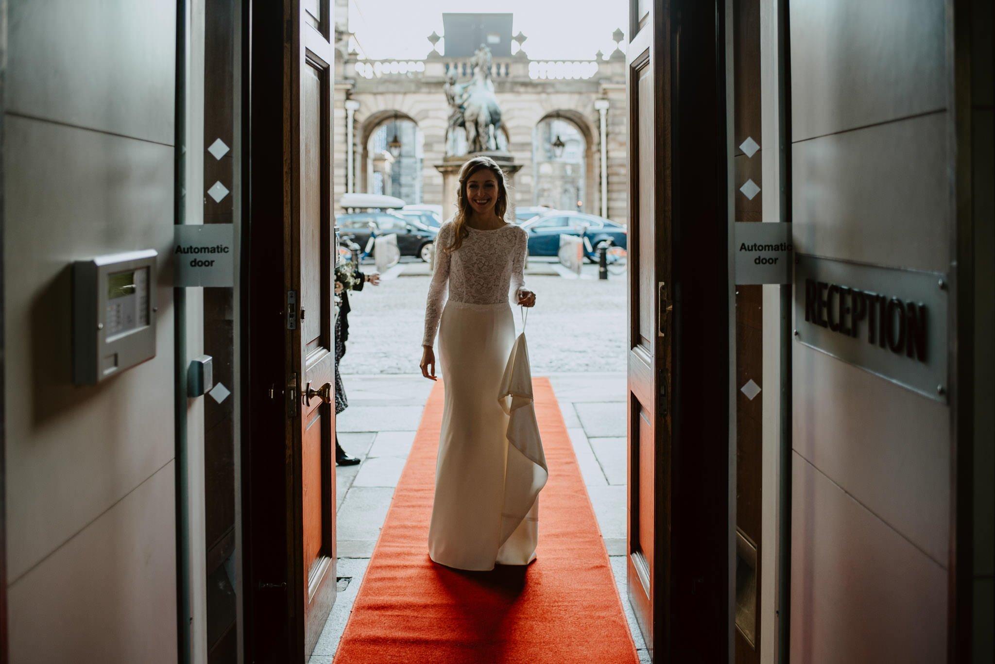 A Charming Edinburgh City Chambers Wedding 9