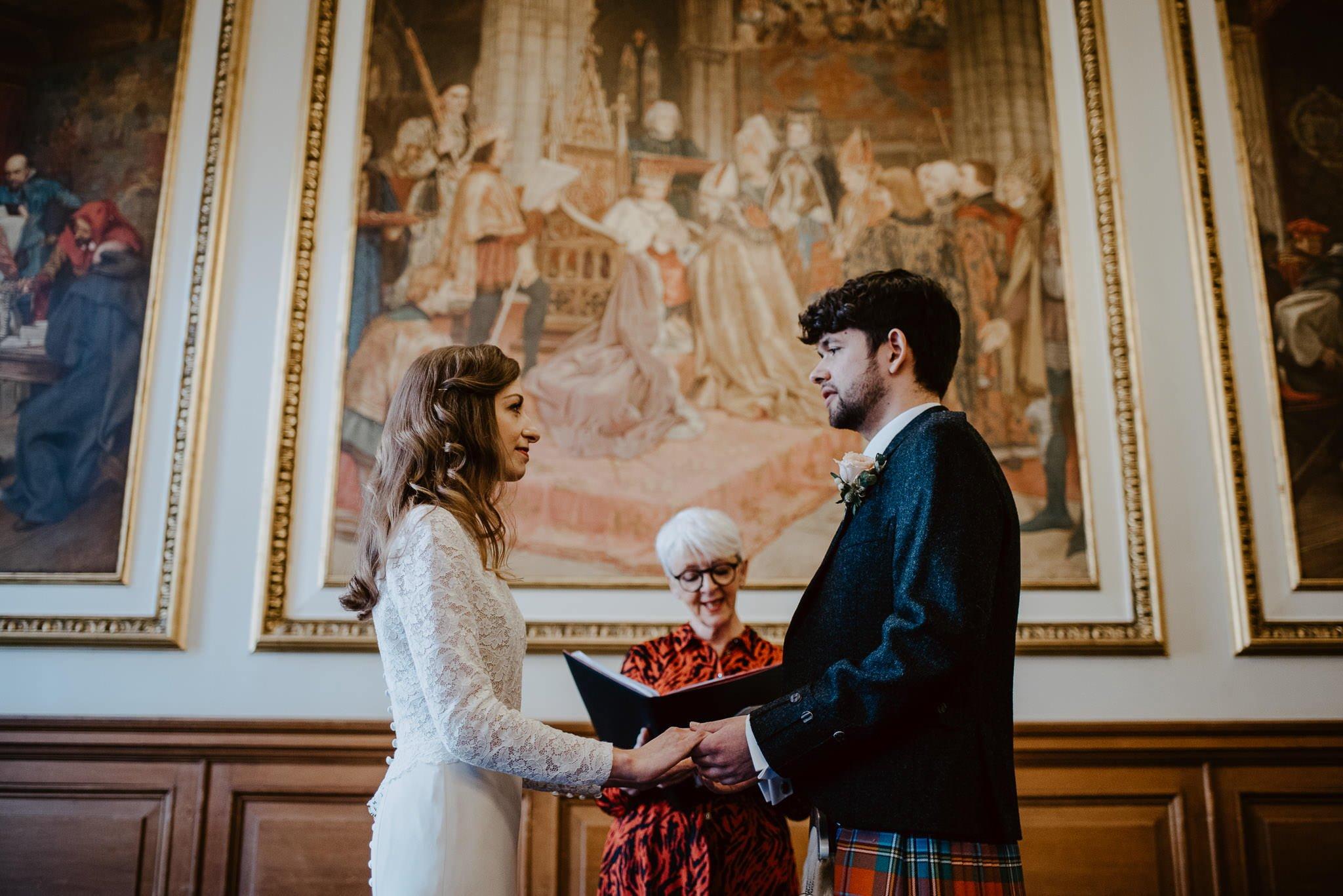 A Charming Edinburgh City Chambers Wedding 17