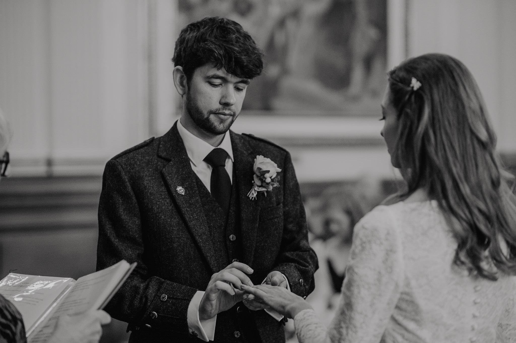 A Charming Edinburgh City Chambers Wedding 18