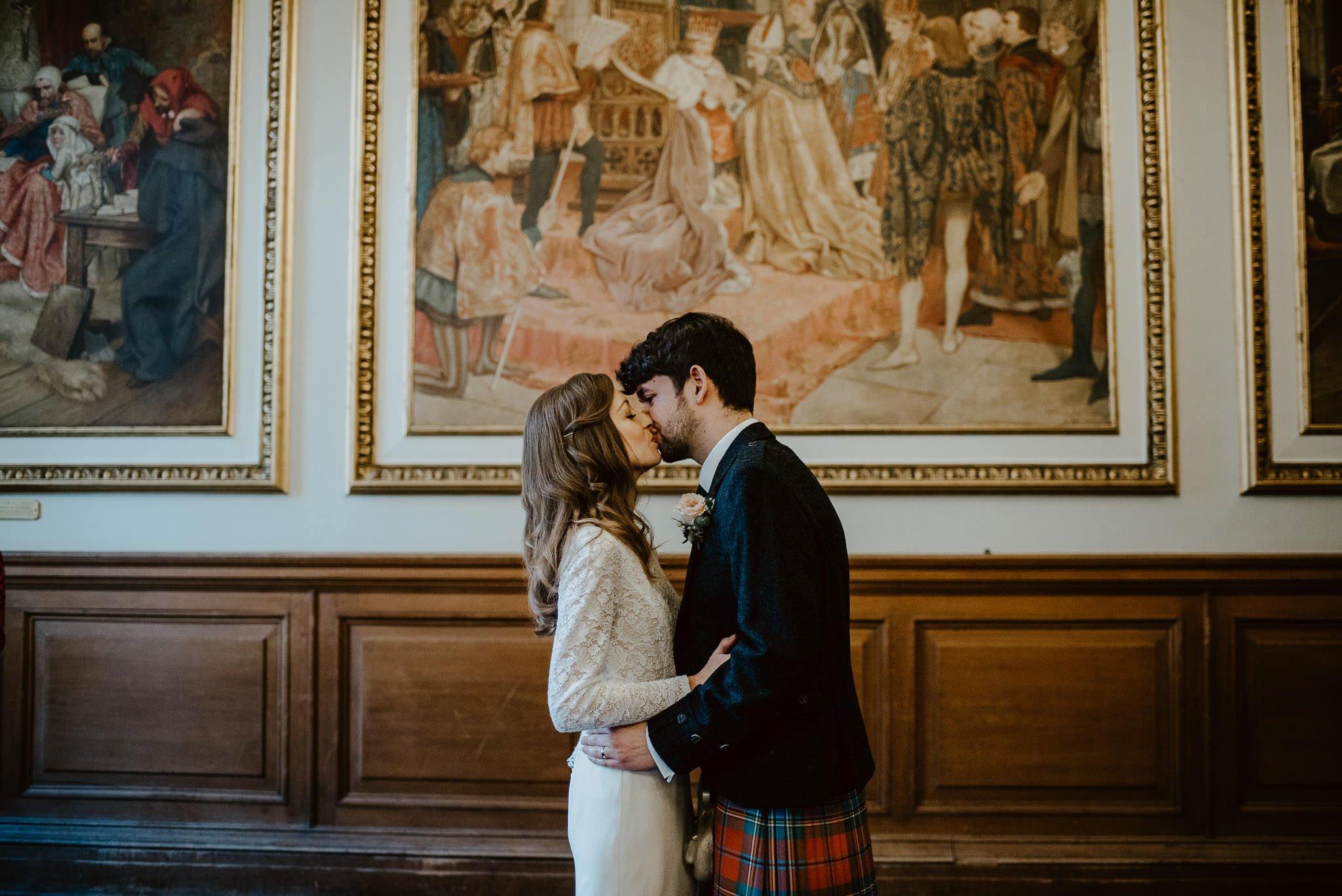 A Charming Edinburgh City Chambers Wedding 19