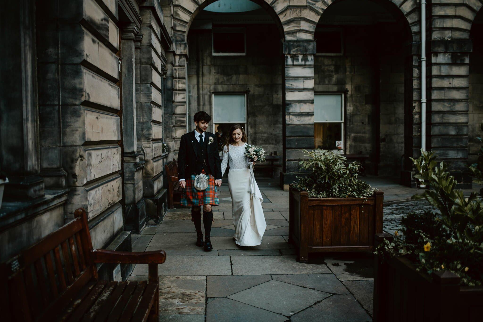 A Charming Edinburgh City Chambers Wedding 23