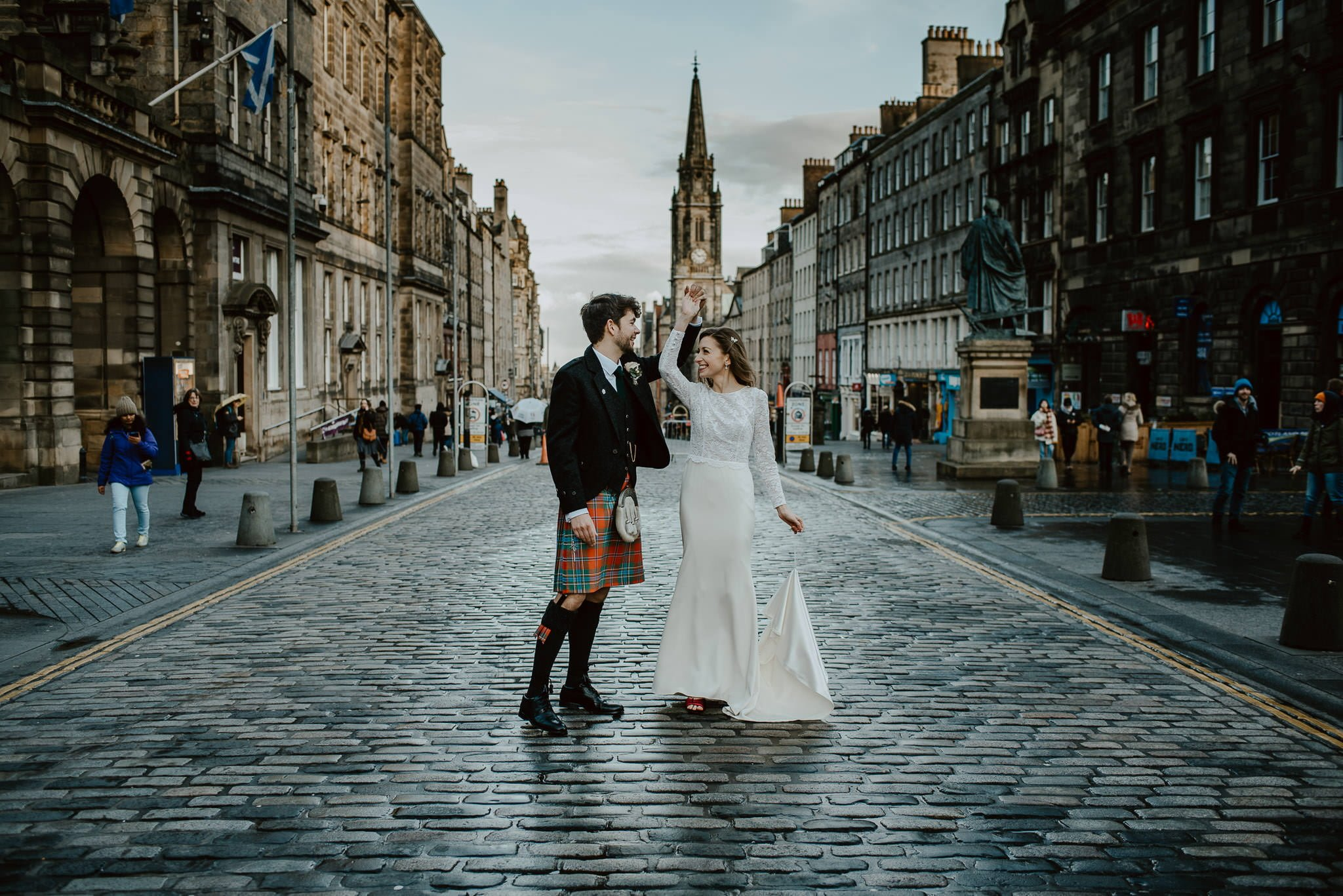 A Charming Edinburgh City Chambers Wedding 26
