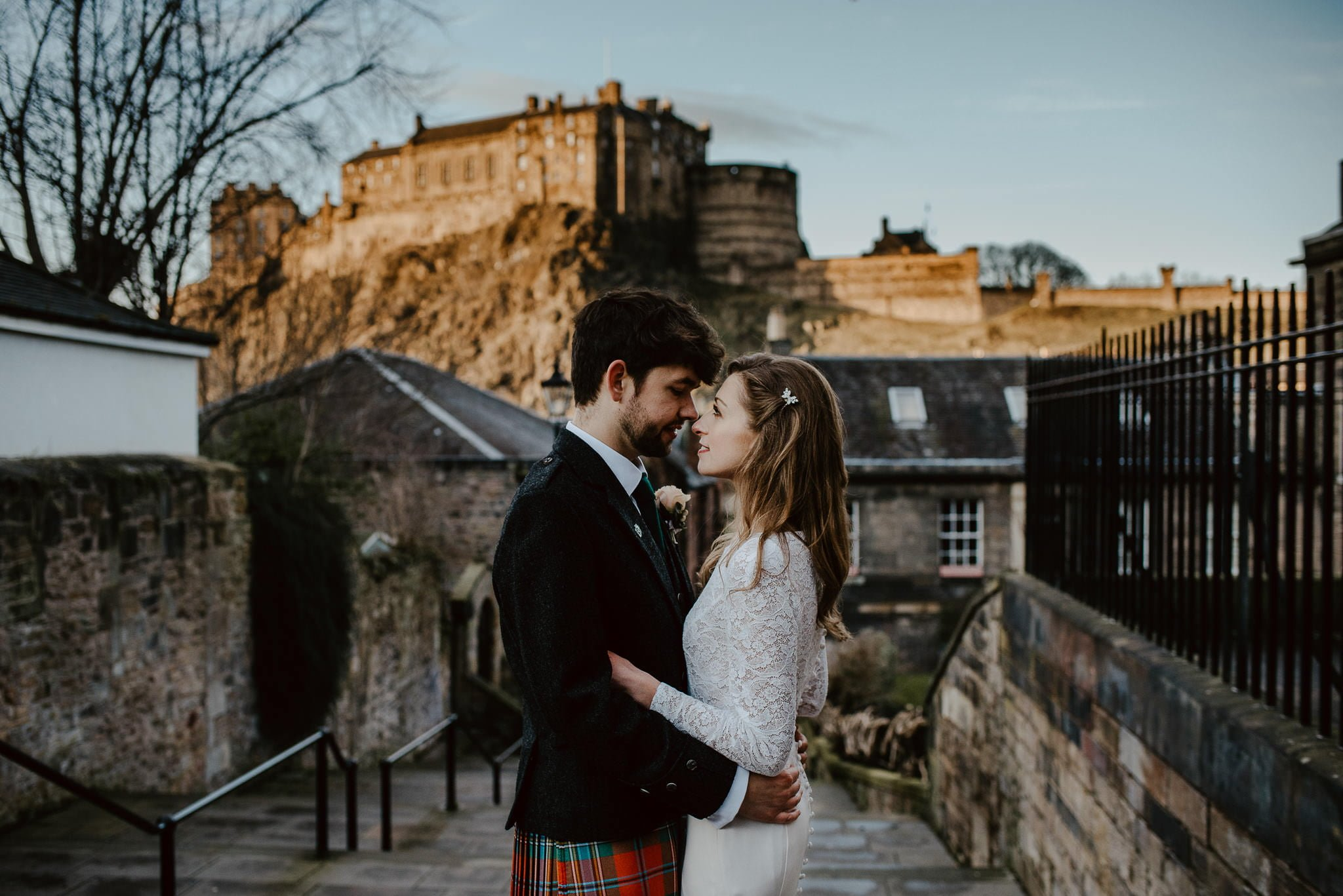 A Charming Edinburgh City Chambers Wedding 31
