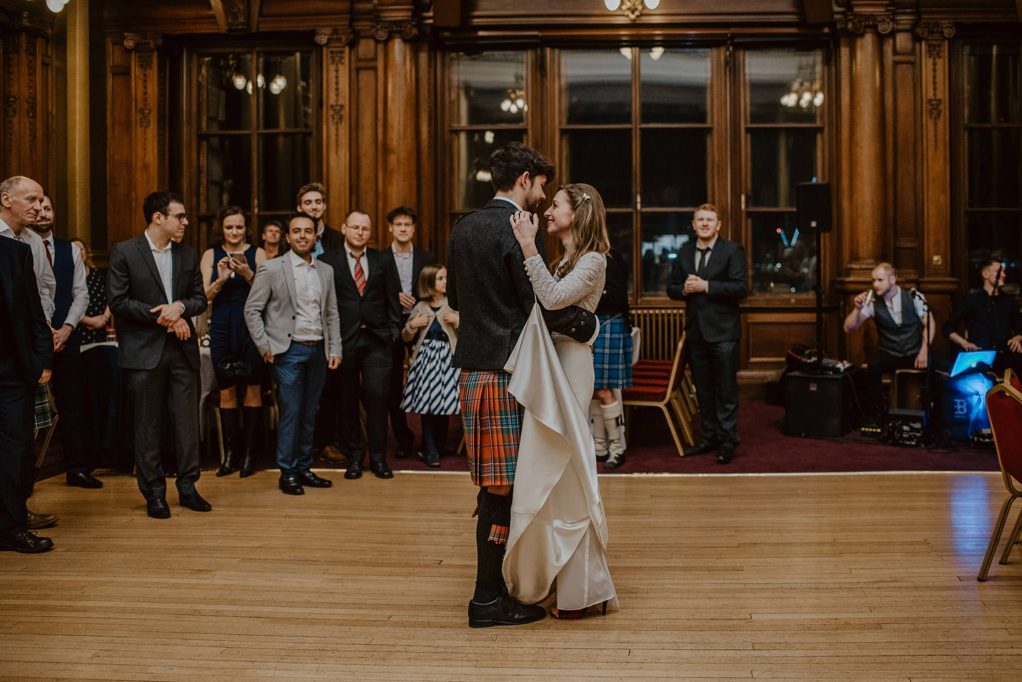 A Charming Edinburgh City Chambers Wedding 50