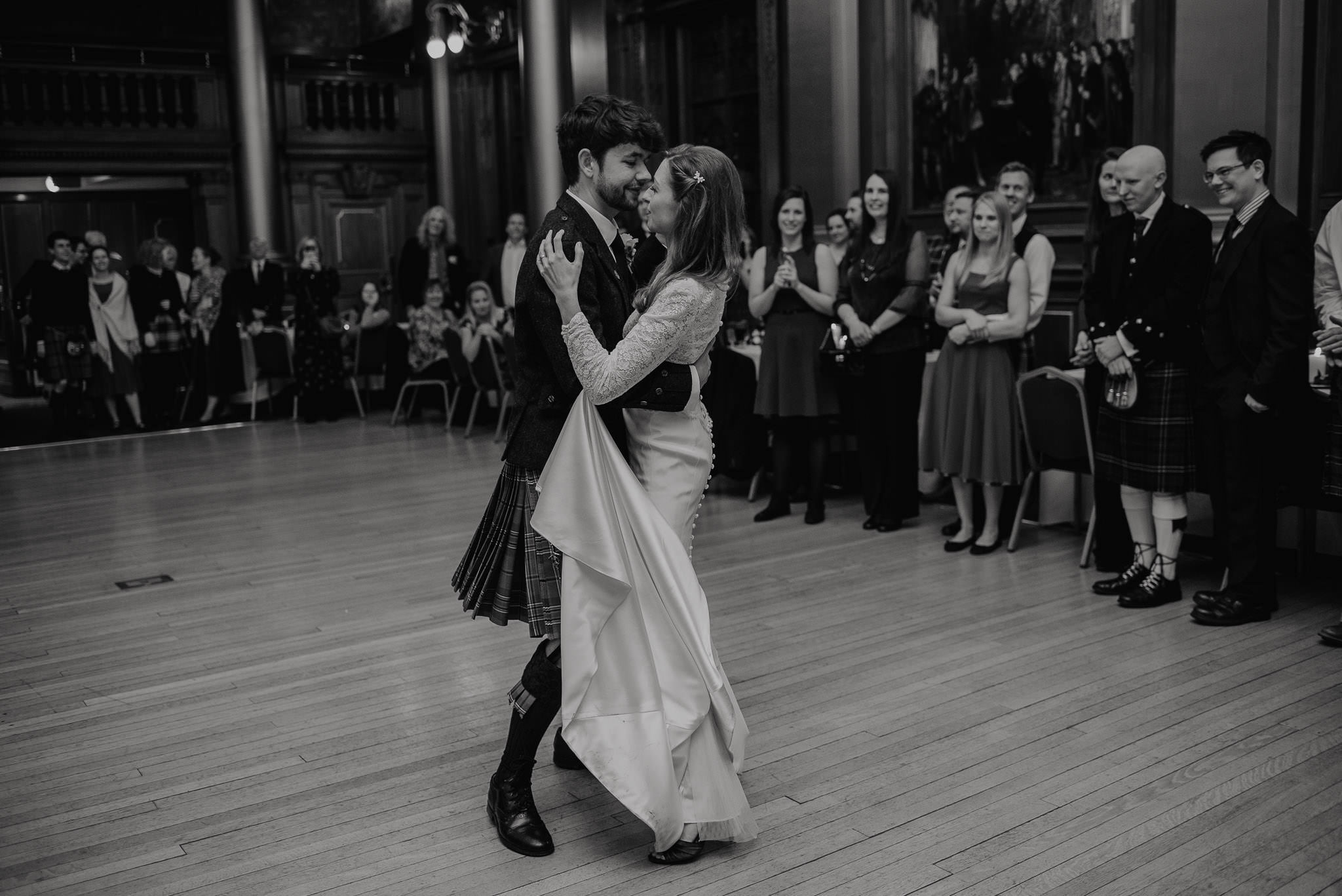 A Charming Edinburgh City Chambers Wedding 51